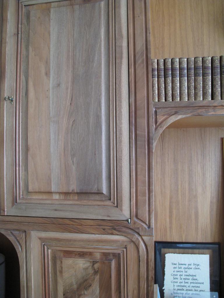 Bibliothèque néo-classique en noyer
